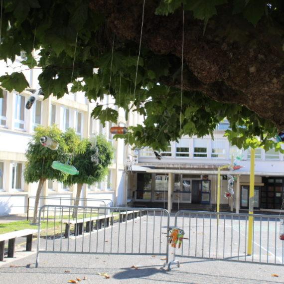 Installation éphémère dans la cour du collège!