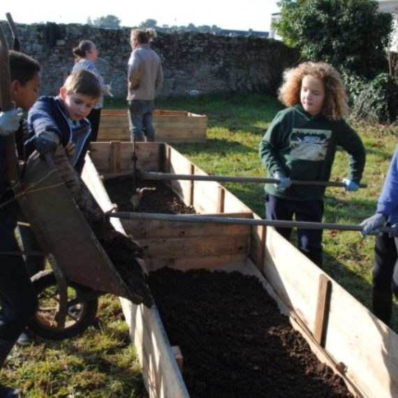 "Jardin potager en ""permaculture"" du collège (6èD)"